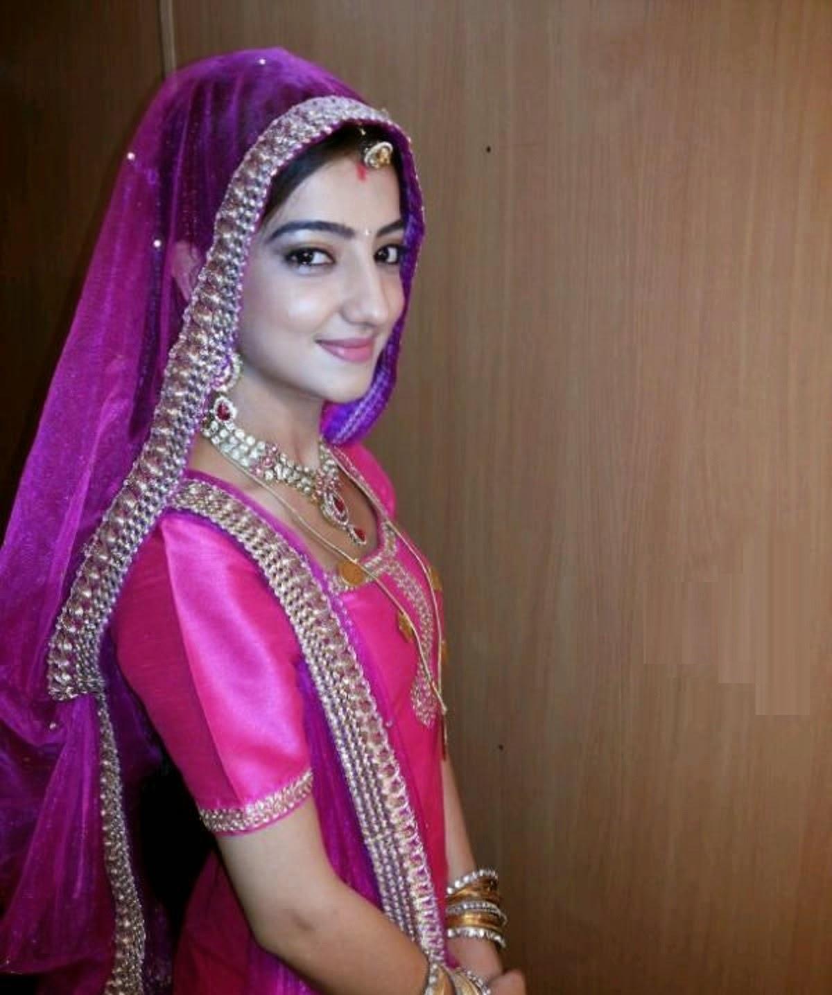 Free Download HD Wallpapers: Beautiful Loveleen Kaur Sasan