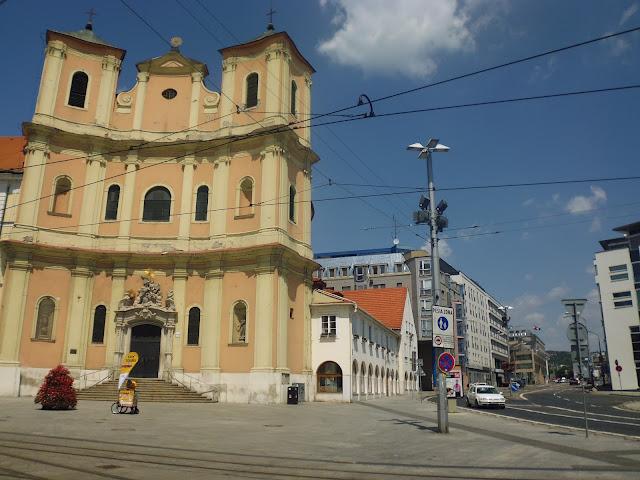 Catedral de San Juan de Mata y San Félix de Valois (Bratislava) (@mibaulviajero)