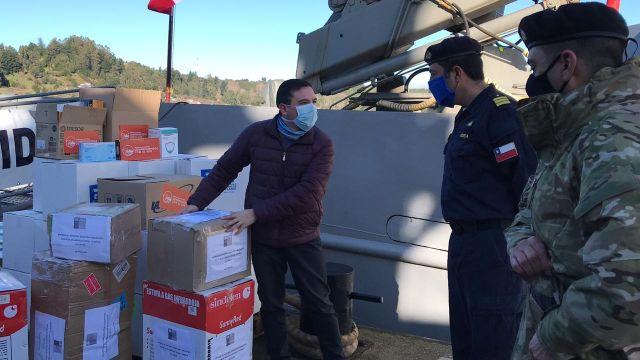 Industria salmonera donó kits sanitarios a familias de islas remotas de Palena