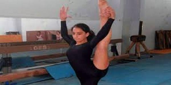 تالا مكارم موهبة صغيرة واعدة في رياضة الجمباز بالسويداء