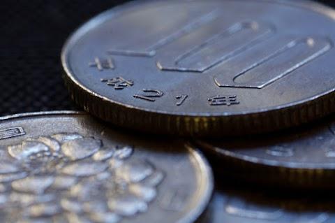 Csökkentette inflációs előrejelzését és nem változtatott monetáris politikáján a japán jegybank