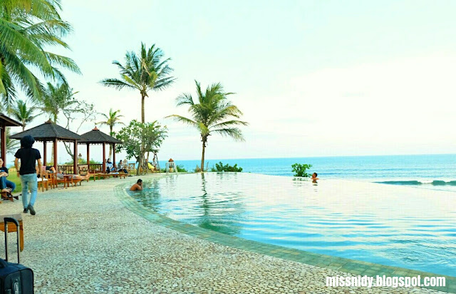 berenang di queen of the south beach resort