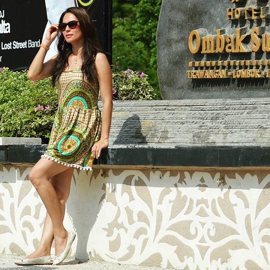 Foto Cantik dan Seksinya Victorine Lengkong