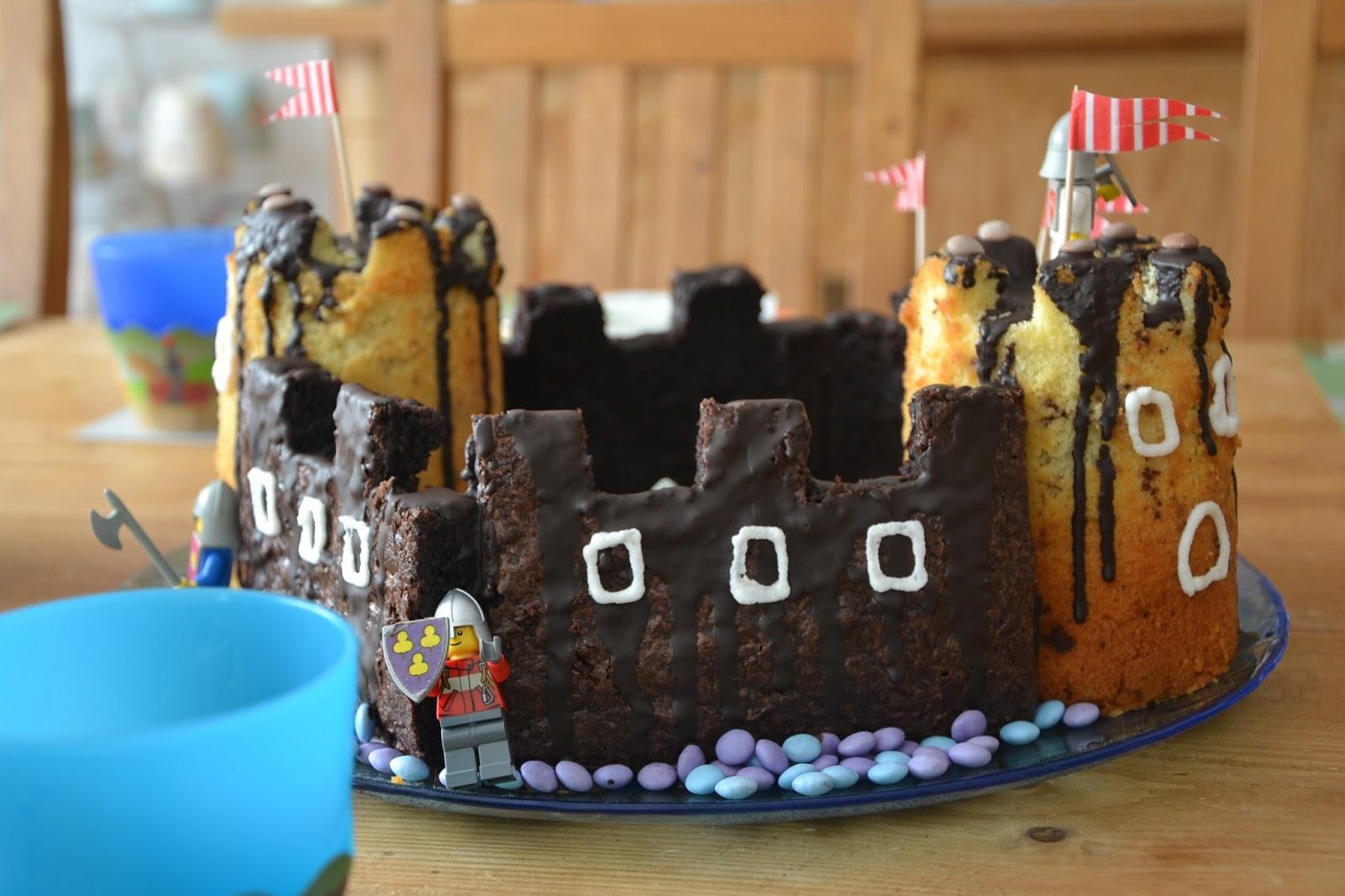 Ritterburg Kuchen Fur Kindergeburtstag Sweetycakes Ch Lego Cake