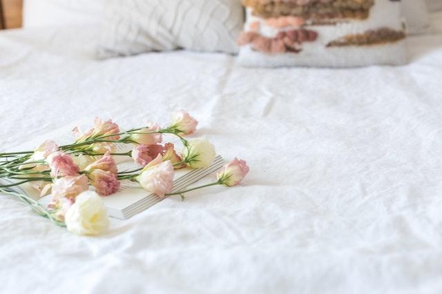 Perlengkapan Kamar Tidur yang Harus Rutin Diganti Agar Terhindar dari Penyakit!