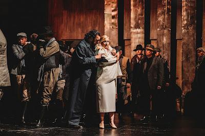 Wagner: The Ring - Götterdämmerung - Andrea Silvestrelli as Hagen, Susanna Geb as Gutrune - Erl Festival (Photo Xiomara Bender)