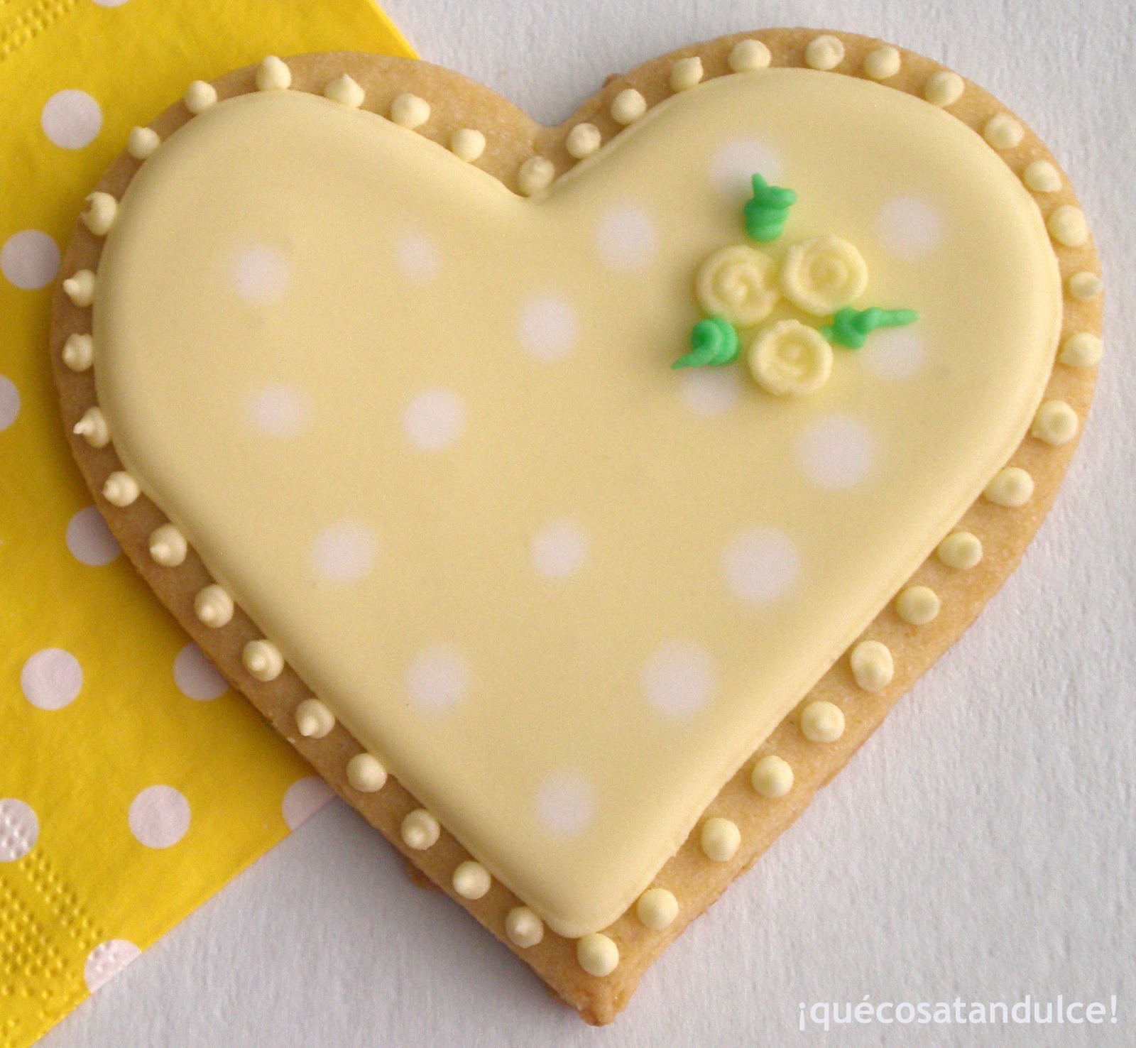 Como Decorar Galletas De Corazon Qué Cosa Tan Dulce El Amor Es Una Galleta De Color Pastel