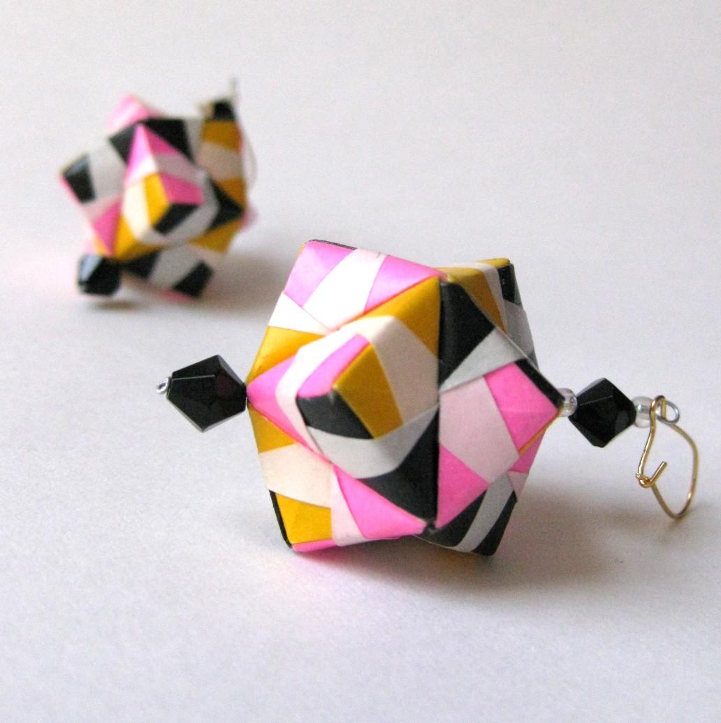 Origami Maniacs: Handmade Origami Earrings......