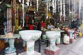 Kerajinan Keramik Dari Desa Pejaten, Bali sebagai contoh dari KERAJINAN KERAMIK NUSANTARA (10 CONTOH DAN KETERANGANNYA)