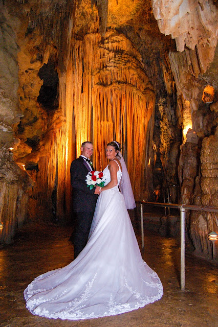 Bridal Cave, Camdenton MO, Lake of the Ozarks, weddings