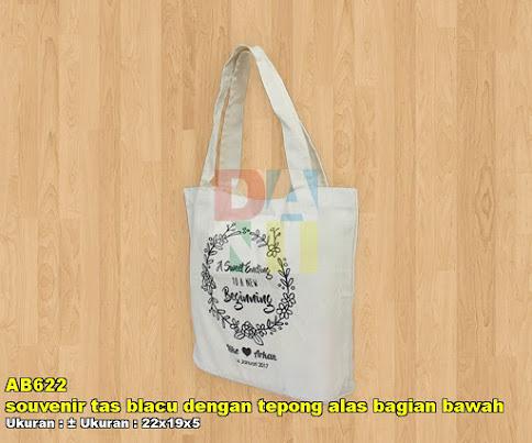 souvenir tas blacu dengan tepong alas bagian bawah