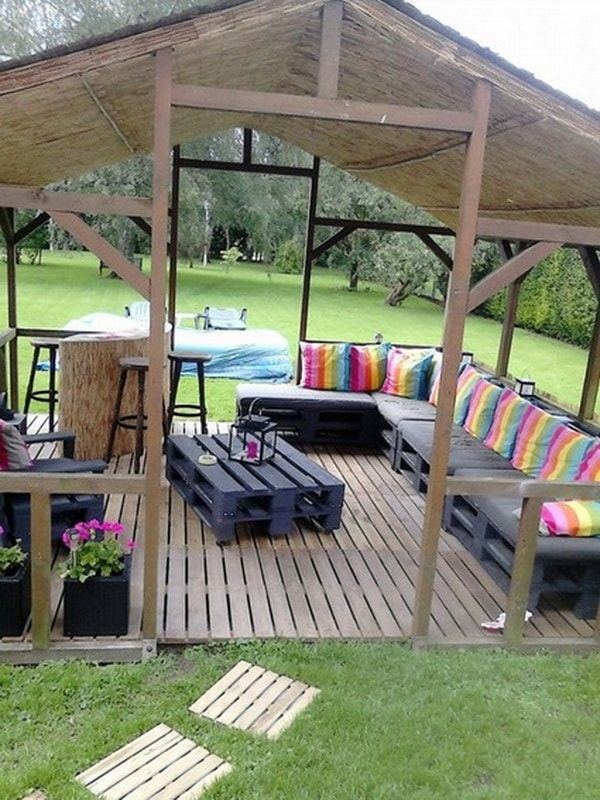 Things you can do with recycled pallets 10