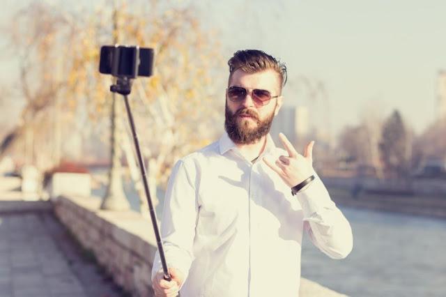 Top Five Selfie Sticks 2016