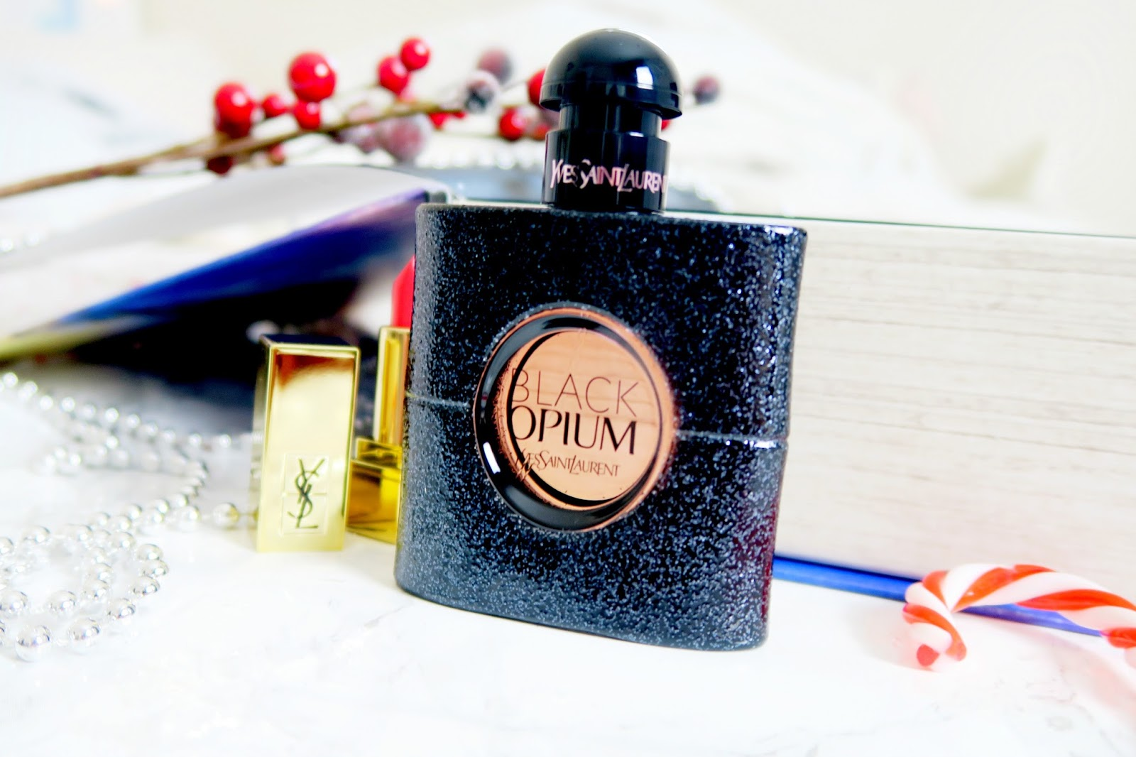 an image of xmas Yves Saint Laurent Black Opium