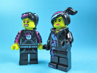 Minifiguras LEGO Wildstyle e outra?