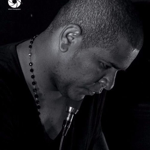 DJ Silyvi & Reinaldo Silva - Eu Só Quero Ser Feliz (feat. Zano)
