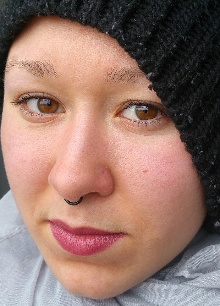 Swatches du Jordana Lipstick Mystery et Mystery Matte