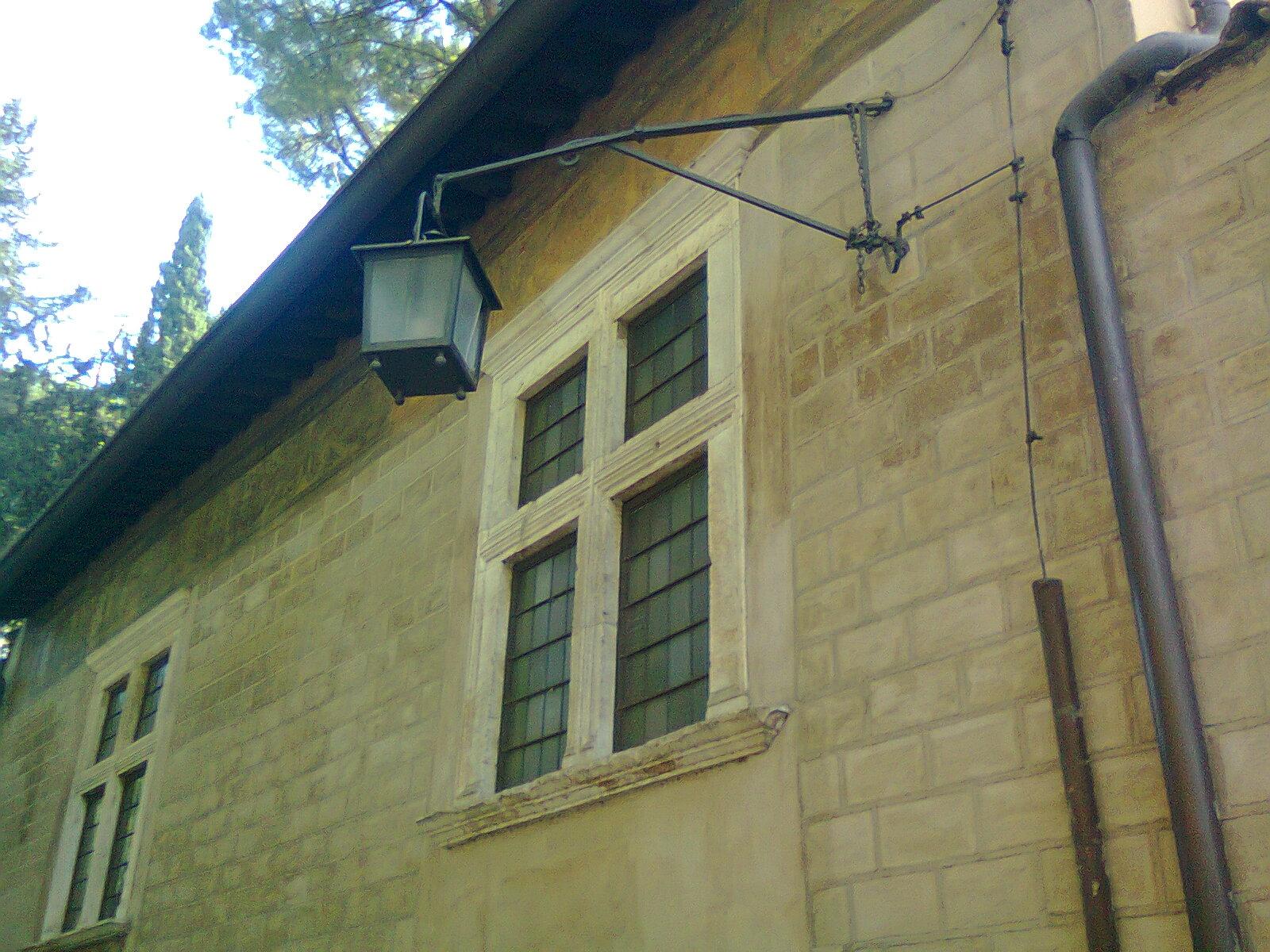 In bici per roma le pi belle finestre di roma4 - Le finestre roma ...