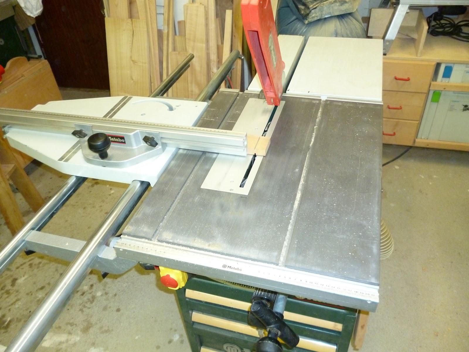 tischkreiss ge mit schlitten industriewerkzeuge ausr stung. Black Bedroom Furniture Sets. Home Design Ideas