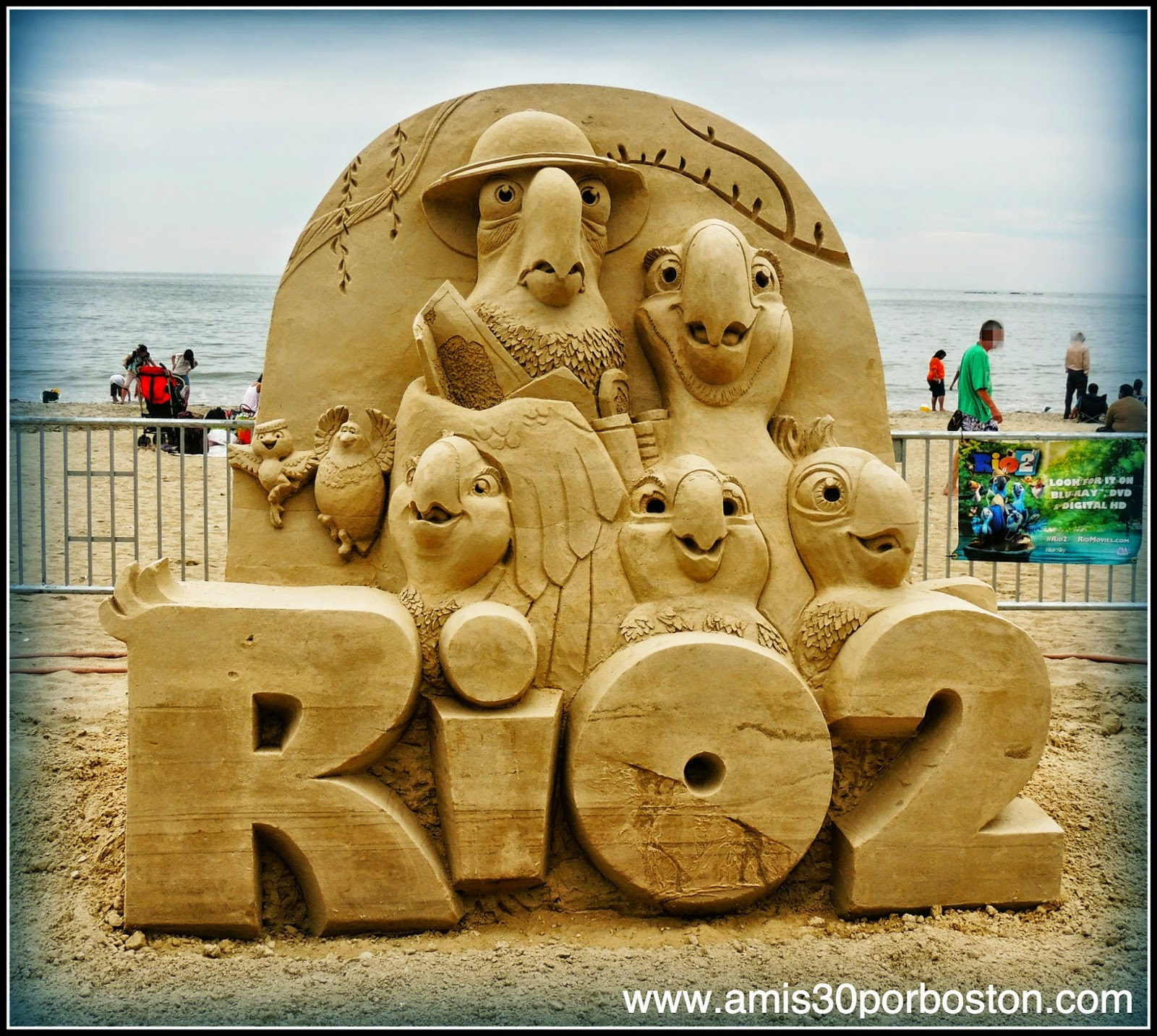 Revere Beach 2014 National Sand Sculpting Festival: Escultura del Sponsor