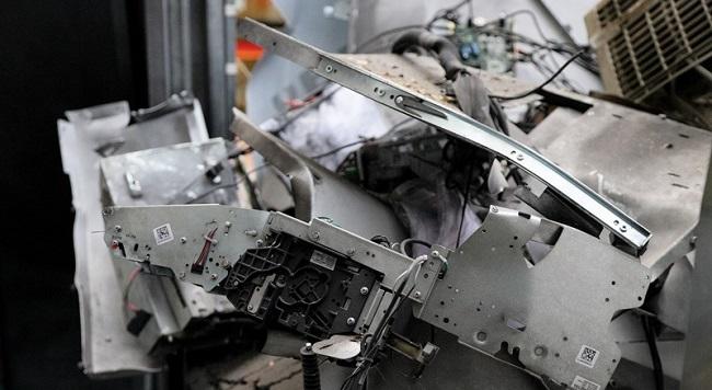 Ανατίναξη ΑΤΜ στη Γλυφάδα: Ισχυρή έκρηξη, διαλύθηκαν όλα (vid)