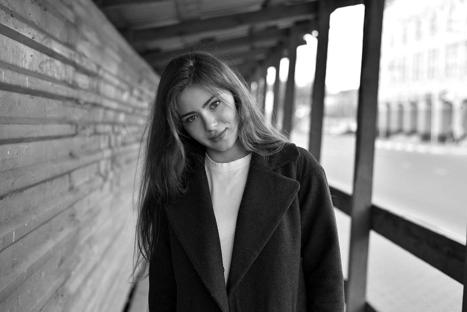 Алина. Портрет в городской среде