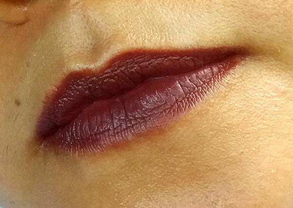 Batom de oBoticário: 55 Atitudes nos lábios.