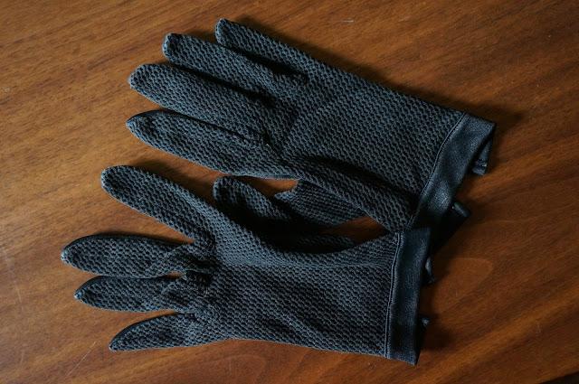 gants en résille années 60  60s fishnet gloves