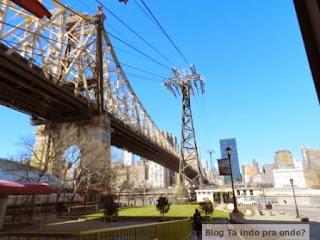 ponte para a Roosevelt Island
