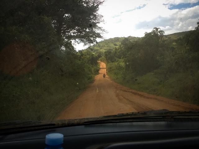 Spre Fort Portal, Uganda