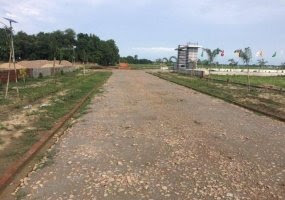 Property in Gorakhpur, Property for sale in Gorakhpur, House for sale in Gorakhpur, Apartments in Gorakhpur, Land for sale in Gorakhpur, Plot Area : 900 Sq.Ft. Rs.800 / Sq.Ft. Description : This Future residential plot for sale in Padri Bazar, Gorakhpur. Near by School, Markets, every residential facilities.