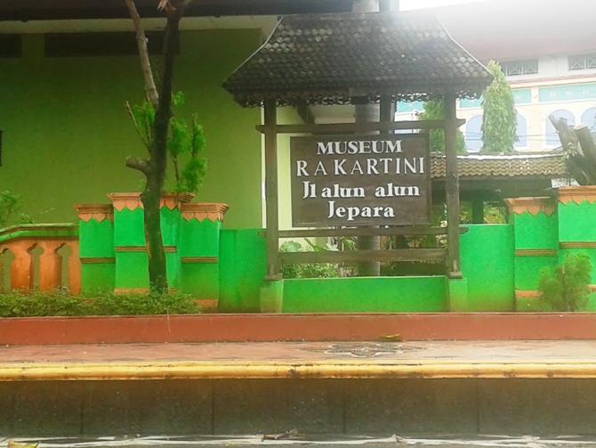 Depan museum Kartini Jepara