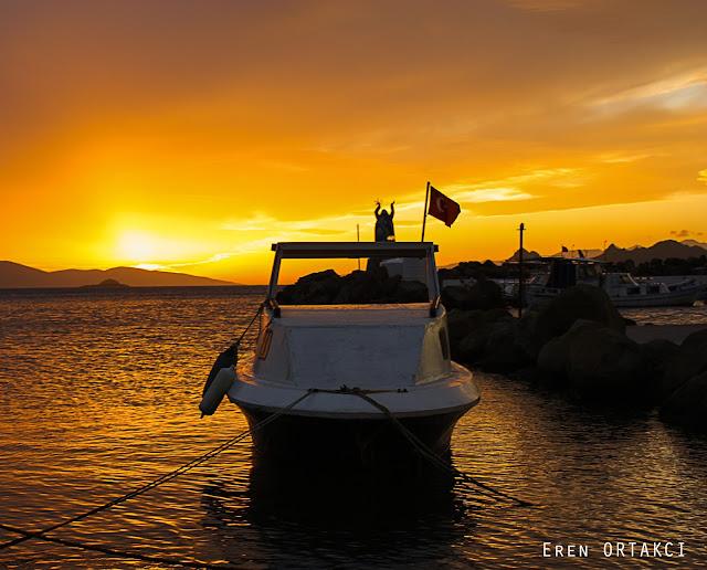Turgutreis Ege Denizini Simgeleyen Barış ve Dostluk Anıtı