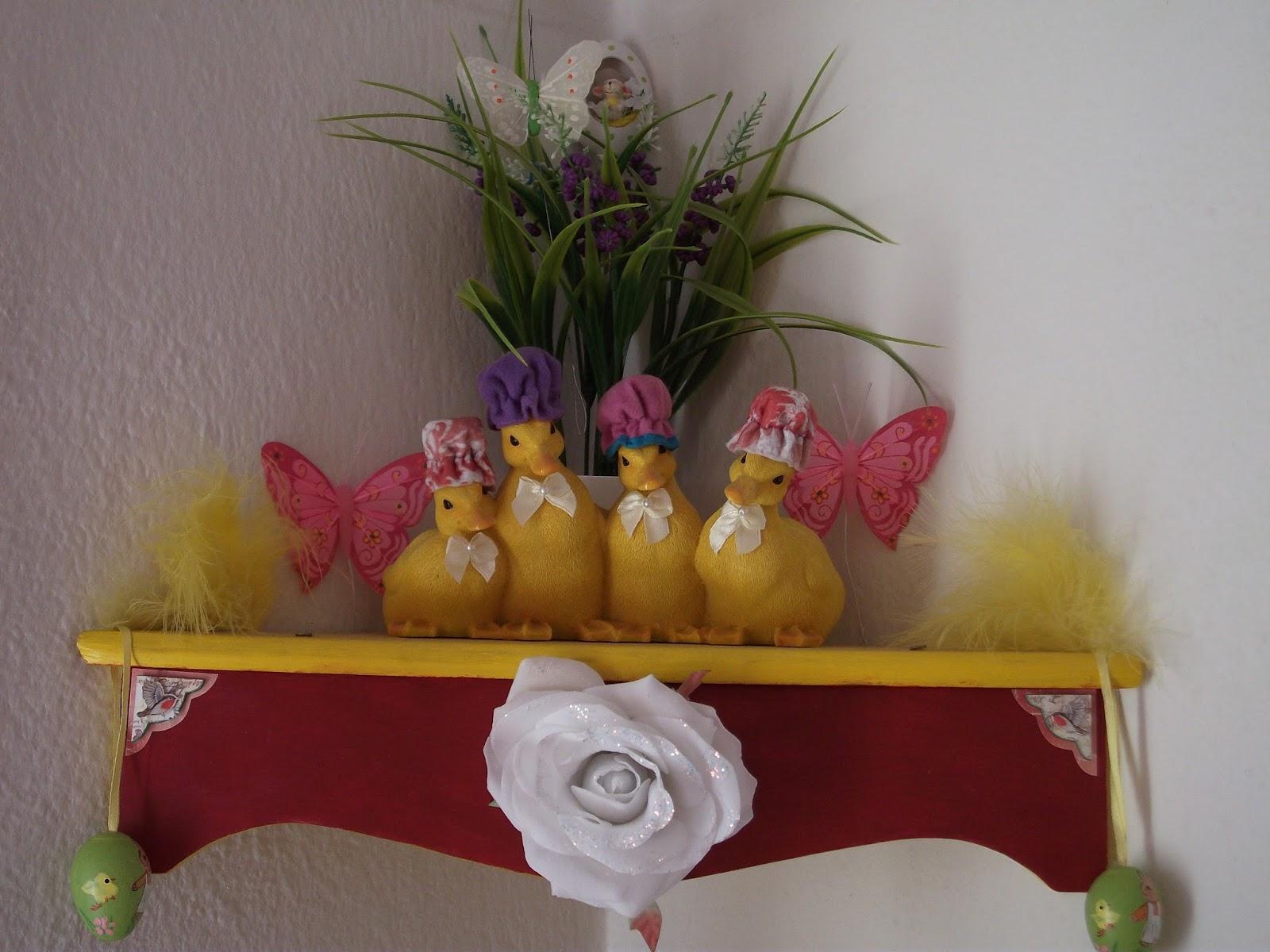 No solo de punto de cruz decorazioni pasquali come valorizzare una piccola mensola con le papere - Addobbi pasquali per casa ...