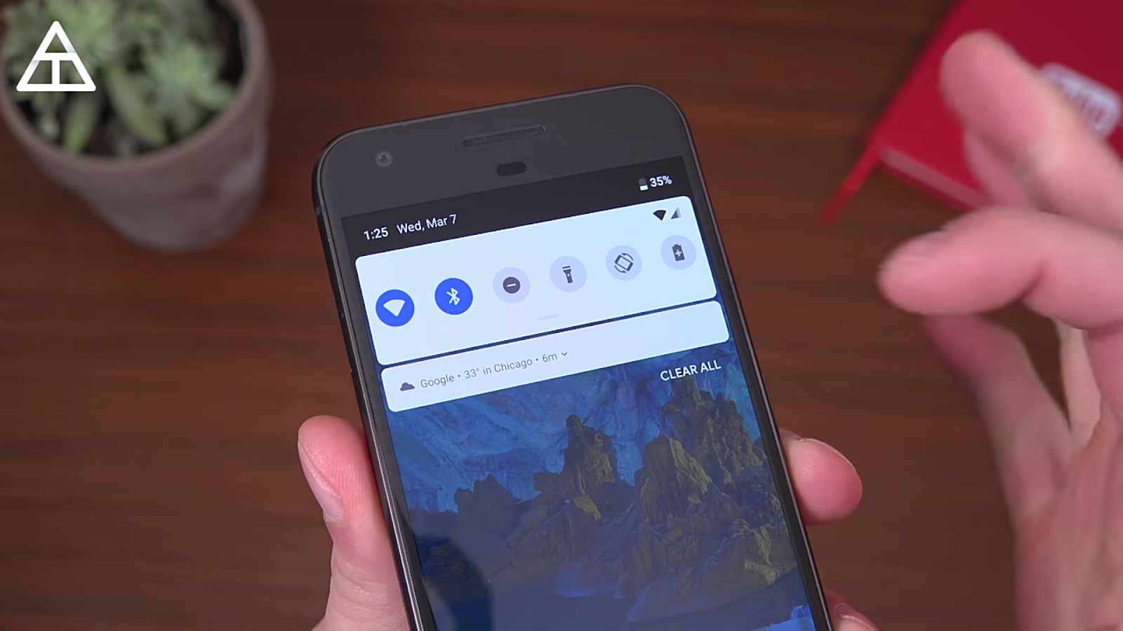 The round notifications toggles with grey and blue color accents