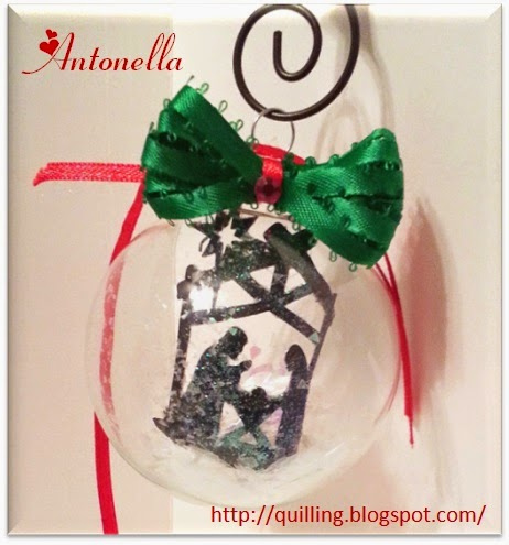 Stunning Nativity Christmas ornament and tutorial from Antonella at www.quilling.blogspot.com