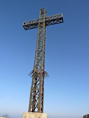 ピック・サン・ルー 十字架