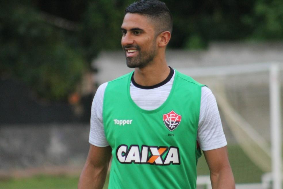 Santos negocia com Vitória por Tréllez, mas troca de lateral vira barreira 1