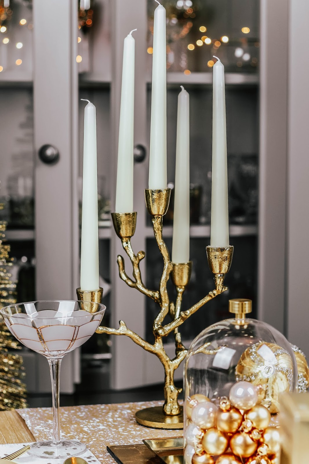 Luxury Table Setting Gold Candle Display