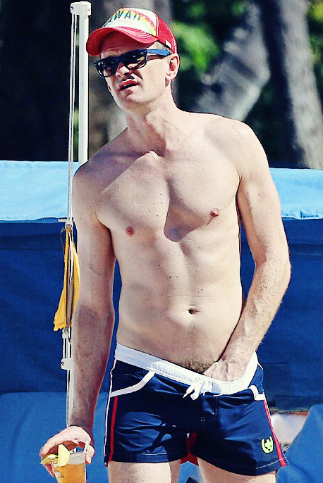 shirtless male celebs - Calvin Harris