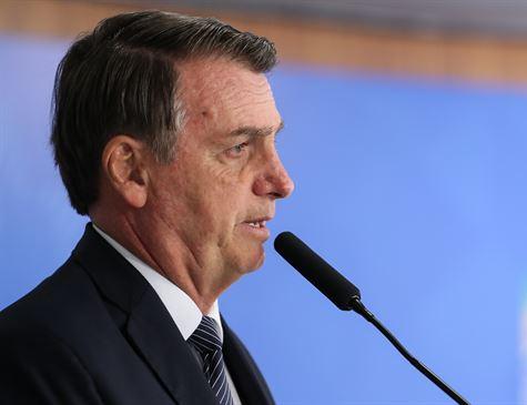Bolsonaro avalia cenários para privatização dos Correios