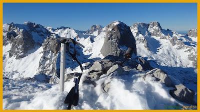 Vistas cimeras desde Peña Castil hacia el Pico Urriellu en Picos de Europa