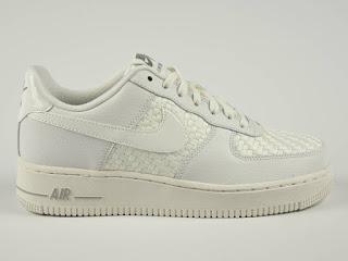 Nike AF1 07 LV8 en #TiendaFitzrovia