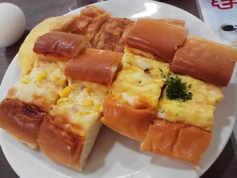 惣菜パン2種類 シャポーブランメイチカ店