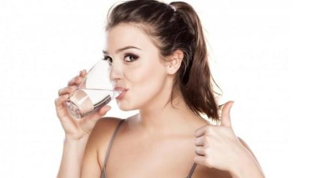 Manfaat Luar Biasa Air Putih Untuk Kesehatan Dan Kecantikan