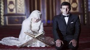 فضل الزوجة الصالحة 3 ثمرات تجنيها من فضلها على زوجها