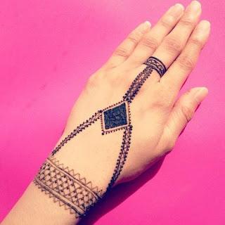 Bracelet mehndi designs 2018