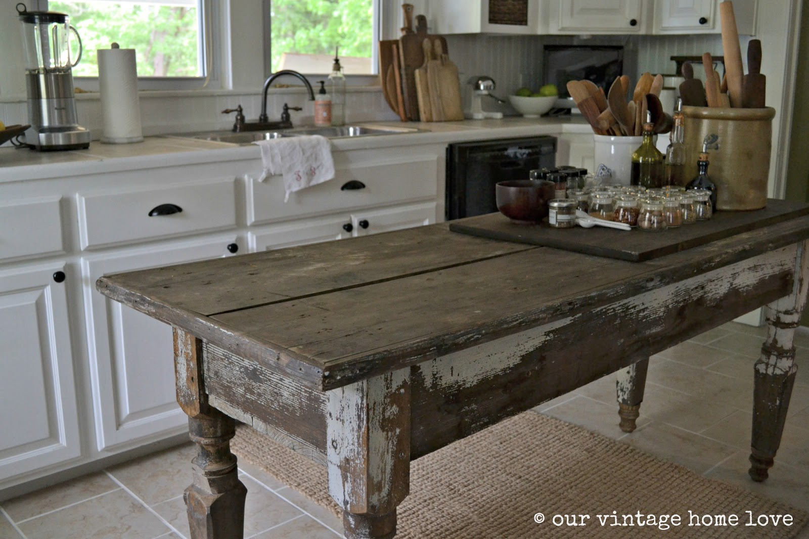 Distressed Farmhouse Style Kitchen Table