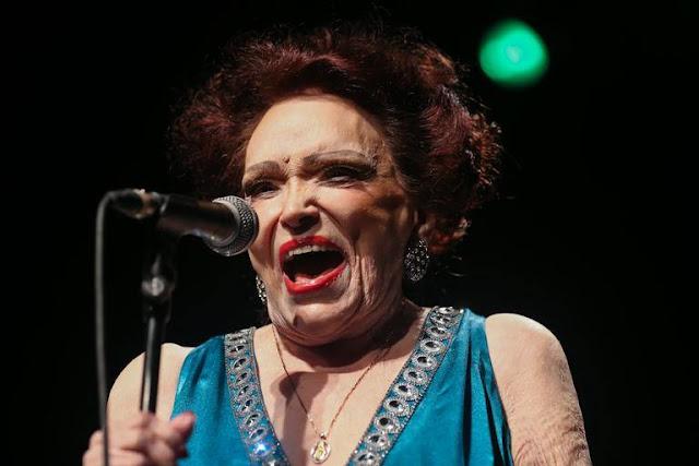 Morre a atriz e cantora Bibi Ferreira, aos 96 anos