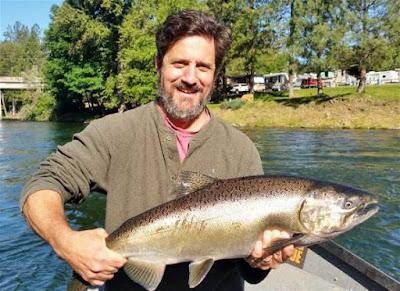 salmon-fishing-rogue river